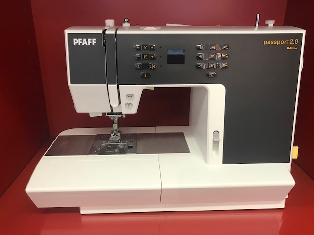 PFAFF  passport 2.0  -  375 €